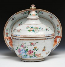 Ribbed body famille rose soup tureen and stand by