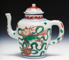 Shunzhi period wucai teapot